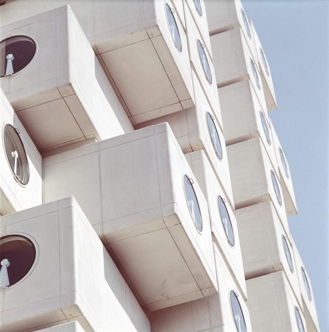 фасад капсульной башни Nakagin, архитектор Кисе Курокава