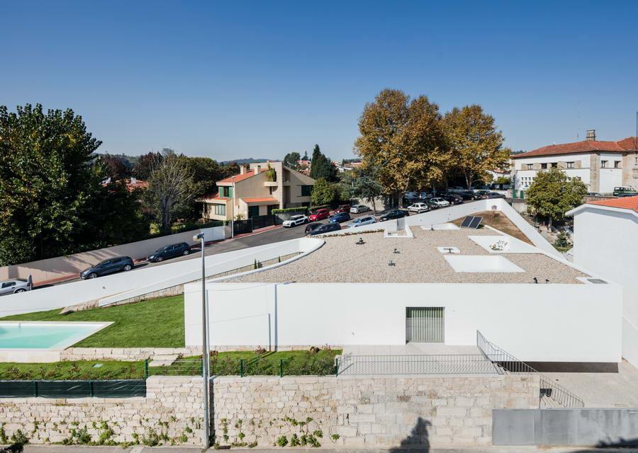 дом с патио в Португалии, вид сверху