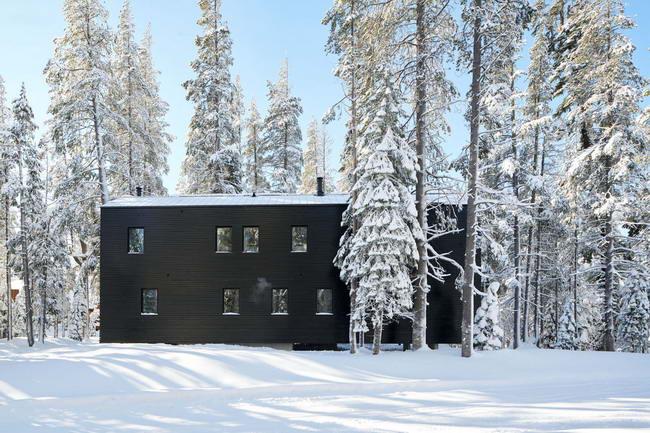 северный фасад дома в горах