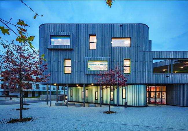 школа в Люксембурге, фасад