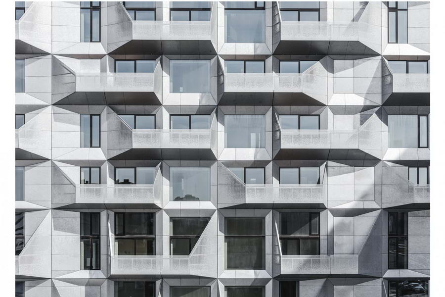фасад с балконами