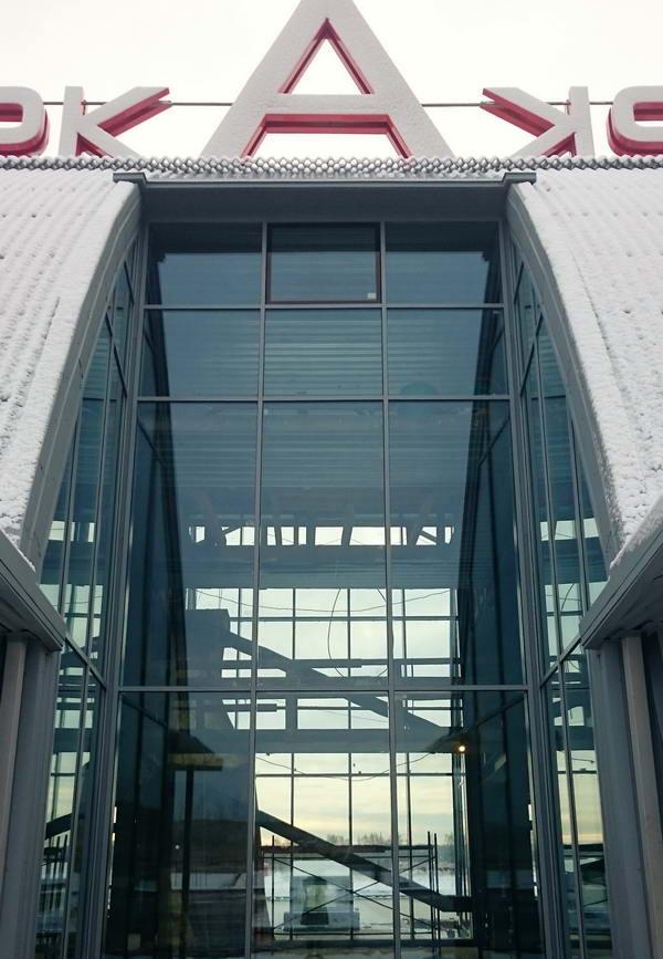 вход в терминал ветродрома