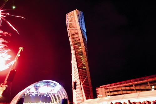 Башня - близнец высотой в 254м будет построена по проекту Калатравы в Нью Йорке.