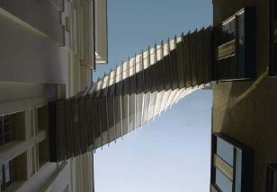 Мост Стремления» (The Bridge of Aspiration), соединяющий здания  Королевской балетной школы и Королевской оперы