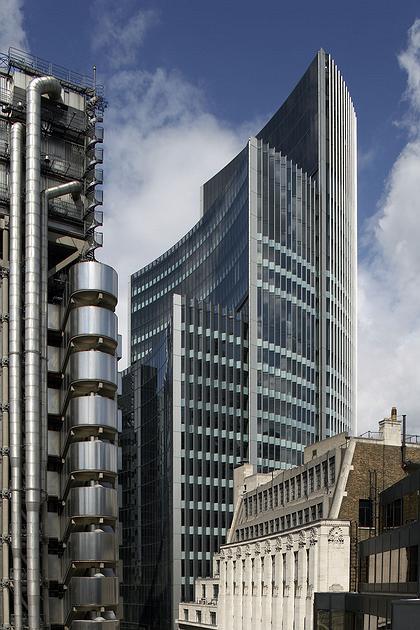 здание страховой компании Lloyd архитектор Ричард Роджерс