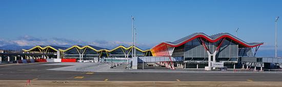 Терминал   4 мадридского аэропорта Барахас, архитектор Ричард Роджерс